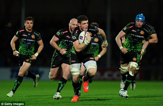 274A523400000578-0-Dave_Ewers_of_Exeter_Chiefs_centre_makes_a_break_during_his_side-a-22_1428186339711.jpg